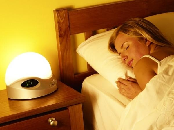 de la luminoth rapie pour votre r veil avec le lumie 200. Black Bedroom Furniture Sets. Home Design Ideas