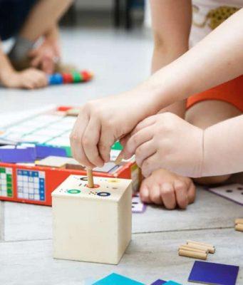 Jeux Montessori