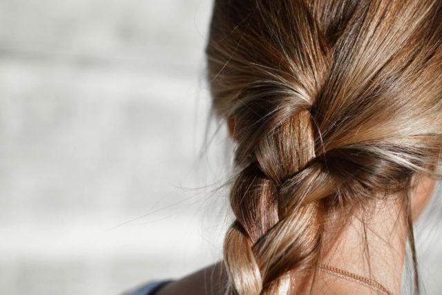 repousse cheveux